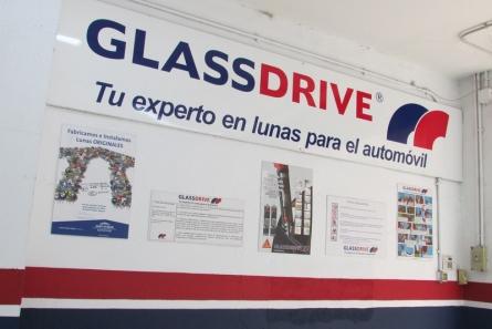Glassdrive Reparación y sustitución de lunas del automóvil Fotos